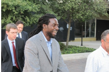 buju-laughs after he gets bail